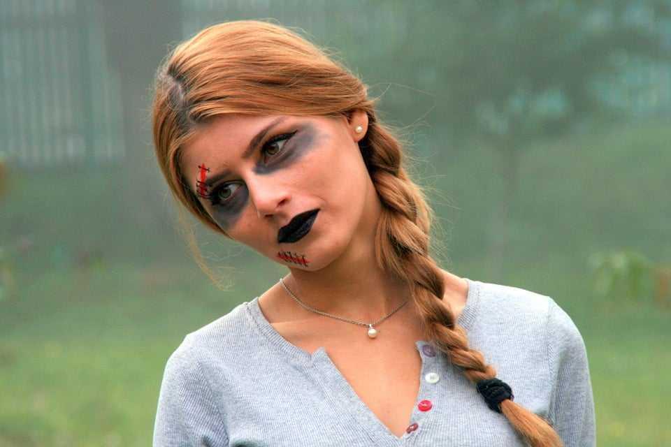 Halloween e allergie da cosmetici: come evitare danni alla pelle?