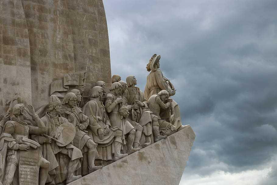 Conquistadores spagnoli capeggiati da Cortez - Monumento di  Lisbona