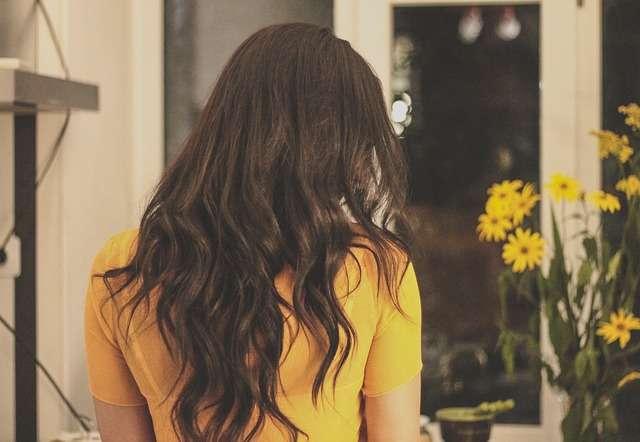 Ecco come tingere i capelli con balsamo e caffè per un colore naturale